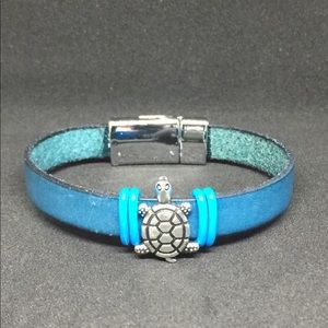 """Jewelry - 7.75"""" Teal Leather Strap Bracelet w/Magnetic Clasp"""